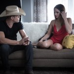 """Dustin Lynch premieres sizzling video for chart rising single """"Seein' Red"""""""