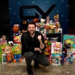 Chris Young is big part of CMA-sponsored Toys for tots drive to benefit children devastated by wildfires in East Tennessee