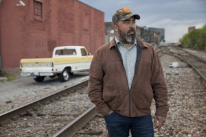 "Tune In: Aaron Lewis to Perform ""Folded Flag""  on Hallmark's Home & Family April 25"