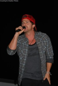 Kip Moore goes out of his way to give fans an extra special show