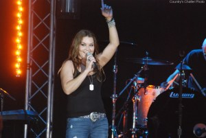 "Gretchen Wilson releases new single, ""Summertime Town"""