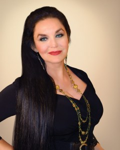 "Crystal Gayle Celebrates 40th Anniversary of ""Don't It Make My Brown Eyes Blue"""