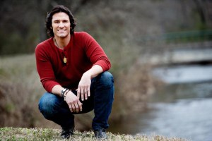 """New album from Joe Nichols, """"Never Gets Old"""", available now"""