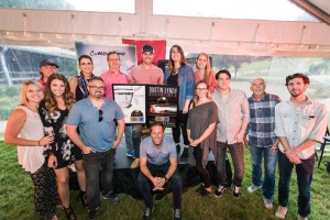 Dustin Lynch surprised with gold hardware during hometown album-announce party