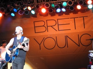 Brett Young made night two at the Appalachian Fair a great one