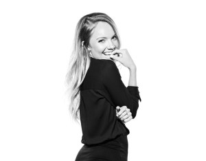Danielle Bradbery announces I DON'T BELIEVE WE'VE MET; sophomore album due Dec. 1, 2017