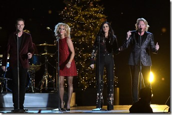 Little-Big-Town-CMA-Country-Christmas