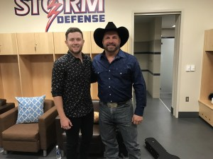 Scotty McCreery Opens for Garth Brooks in Sioux Falls, SD