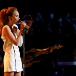 """Danielle Bradbery returned to NBC's THE VOICE to perform """"Worth It""""; Shares 4-year transformation"""