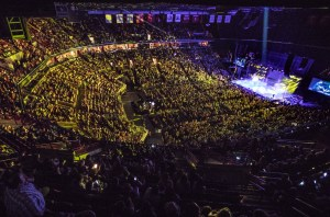 10,000+ fans cheer on Chris Young in Columbus
