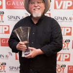 """Country music singer-songwriter Max T. Barnes wins """"International Artist of the Year"""" award at Hot Country TV Awards in Ireland"""