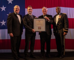 Craig Morgan Awarded Outstanding Civilian Service Medal from U.S. Army