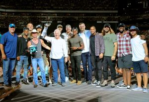 Chesney breaks Philly record; Eagles bring Superbowl trophy