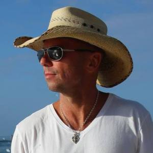 Kenny Chesney's SONGS FOR THE SAINTS benefits Love for Love City Fund