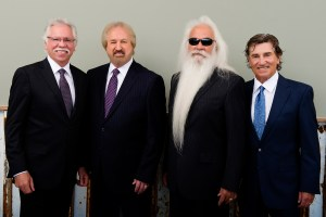 Ronnie McDowell releases new original patriotic song with The Oak Ridge Boys