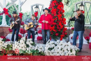 "Tracy Lawrence Ramps Up The Holiday Spirit On Hallmark Channel's ""Home & Family"""