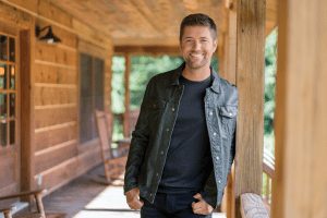 Josh Turner on TBN's Huckabee this Saturday and Sunday at 8/7pm CT