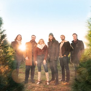 "Home Free and Rachel Wammack join festive forces on ""Tennessee Christmas"""