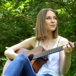 Rising Nashville songwriter Alyssa Trahan joins Breedlove Guitars as Organic Collection Featured Artist for June