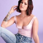 "Cassadee Pope shares ""Let Me Go"" performance video"