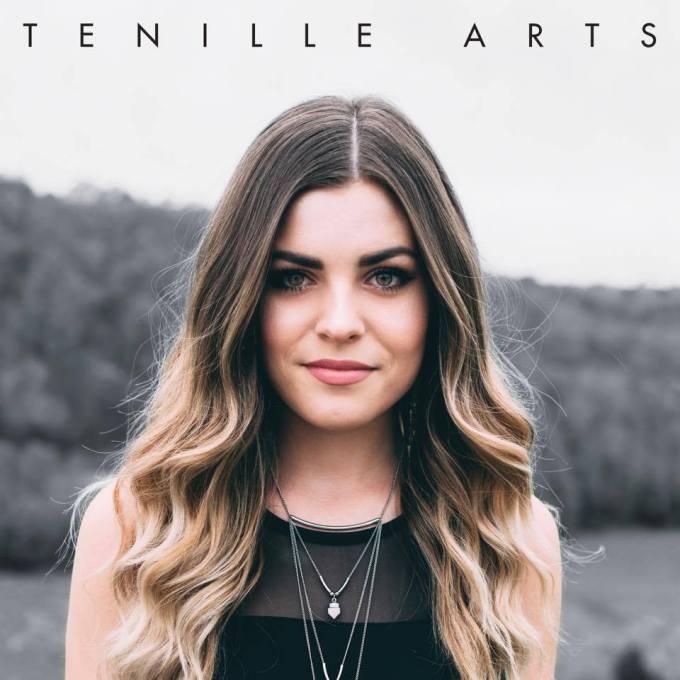 Tenille Arts