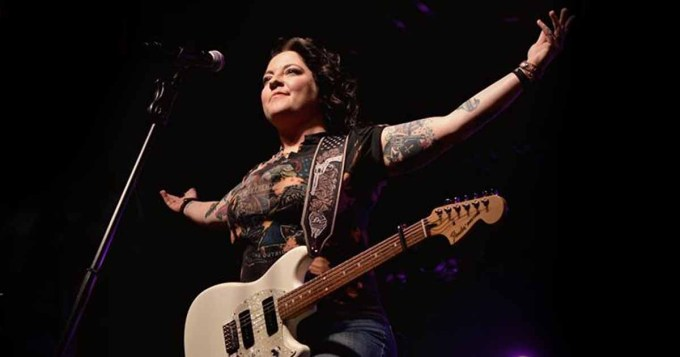 """Ashley McBryde Announces 2020 """"One Night Standards Tour"""" 1"""