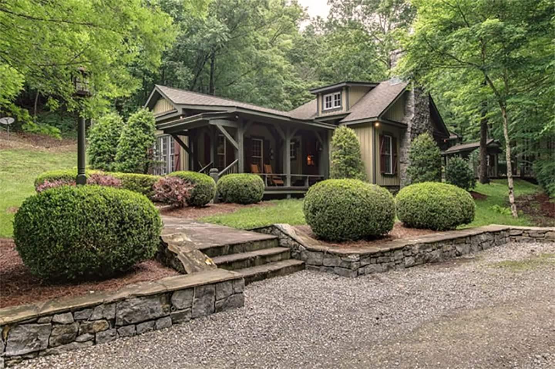 Miranda Lambert's Tennessee Farm - Rustic Main House