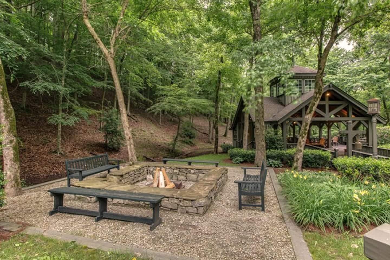Miranda Lambert's Tennessee Farm - Bonfire Pit and Pavilion for Outdoor Hosting