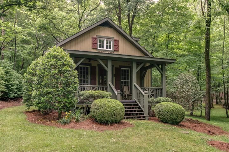 Miranda Lambert's Tennessee Farm - Guest Cabin
