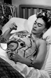 frida kahlo painting body cast