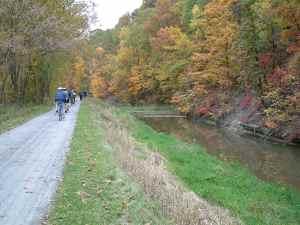 photo of bicyclists on the Towpath Trail