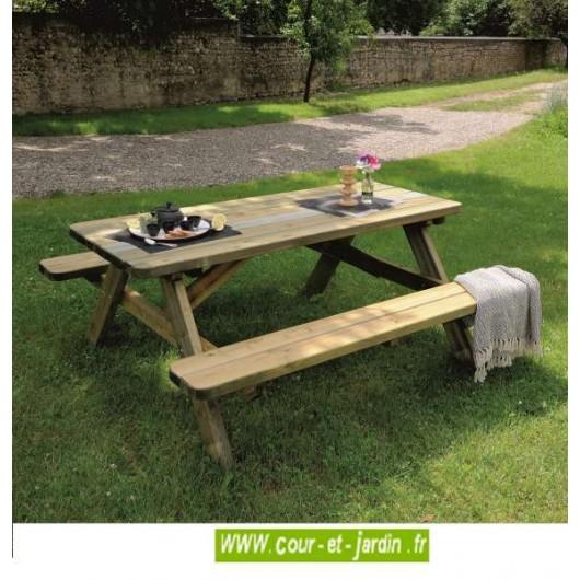 table de pique nique robuste en bois de 6 places