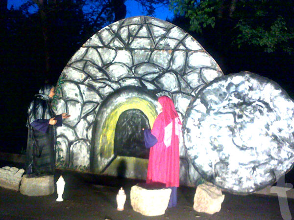 Empty Tomb, a picture from New Market Baptist Church, Trail to Empty Tomb Drive-Thru Easter Drama. - Why did Jesus Fold the Napkin?