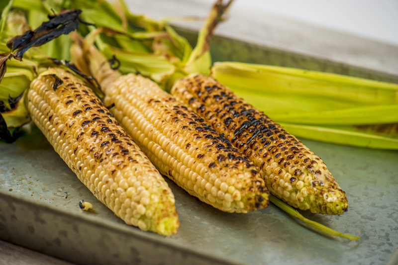 · Corn on the cob: Corn on the cob is proof that carnivals and fairs provide some healthy fare for customers in addition to the many decadent treats on display. Corn on the cob is most popular in corn-producing areas and can be the ideal complement to burgers and other fair foods.