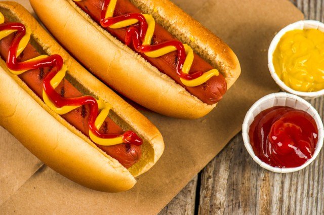 · Hot Dogs: This one doesn't need much explaining. Hot dogs are also popular at sporting events.
