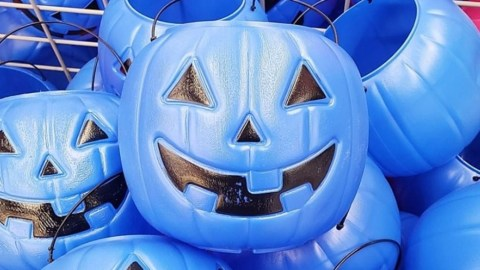 Blue Halloween Candy Buckets for Autism - I heard about this on Way-FM. (Blue Pumpkin Bucket). I haven't heard about this until now. So I figured I'd look into it. #Halloween