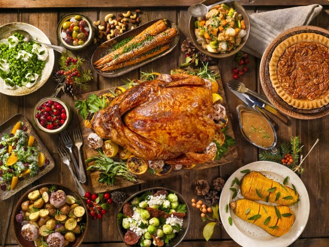 What to do with Thanksgiving leftovers - Here are some delicious and waste-conscious ways to put Thanksgiving or other holiday meal leftovers to use. #Thanksgiving #ThanksgivingLeftovers