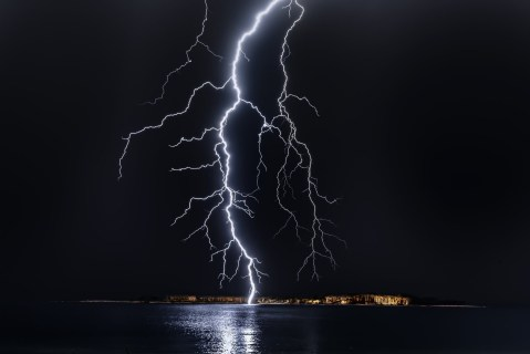 Don't be shocked! Separate lightning facts from fiction - As afternoon spring and summer storms return, it can help to dispel some of the myths about the energy and science behind lightning storms. #Lightening #LighteningFacts