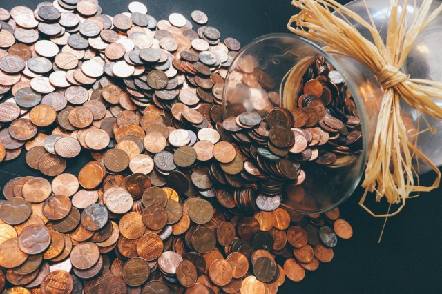 Blessing Fund Jar - A fund that you put your loose change into a jar and at a random time or even at the end of the year during Christmas, you empty and use the money to bless another. #BlessingJar #BlessingFund #BlessingFundJar