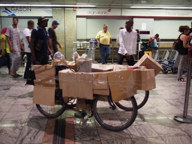 tour du monde vélo couché transport avion