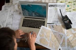 Préparation de l'itinéraire et des étapes à l'aide des cartes maritimes NOAA et de google map