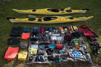 Ensemble de notre matériel embarqué dans nos 2 kayaks de mers