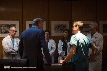 New York City Mayor Bill de Blasio spoke with doctors at Bellevue Hospital on May 18, 2017, about the condition of pedestrians struck by an out-of-control Honda in Times Square. (Photo by Michael Appleton with the Mayoral Photo Office via Courthouse News)