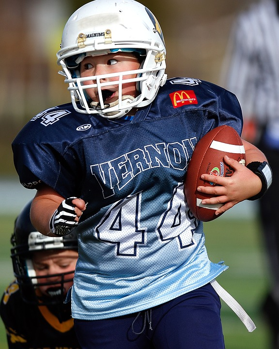 Playing Tackle Football Before 12 >> Study Links Youth Football To Earlier Onset Of Brain Disorders