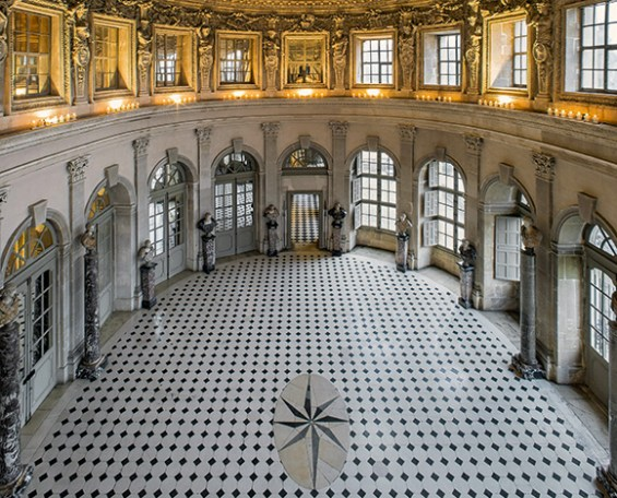 View of the Grand Salon – also called the Oval Salon – from the private apartments upstairs. ©Bruno Ehrs