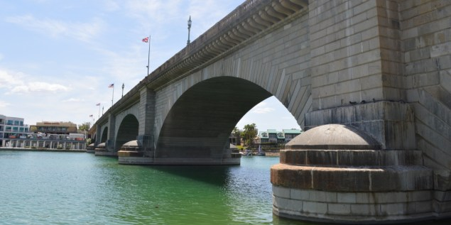 Lake Havasu City - London Bridge and Cantina