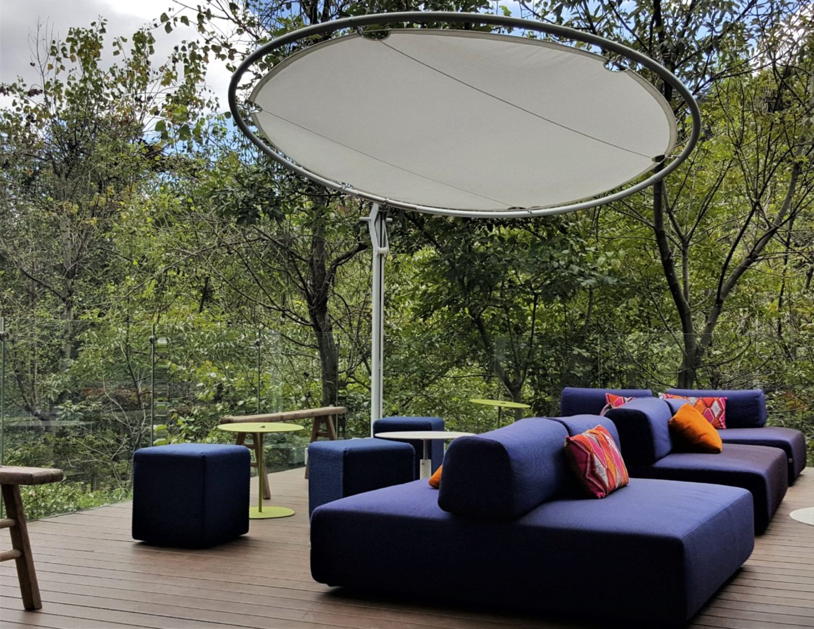 Outdoor Table And Chairs Umbrella