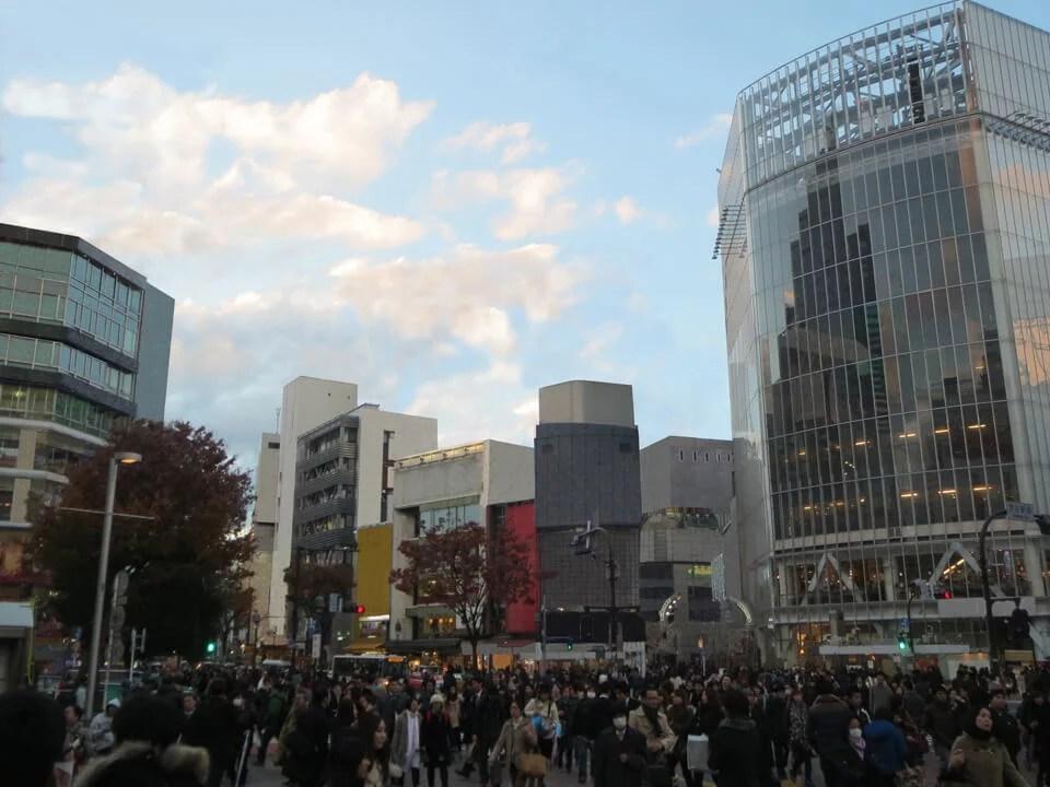 渋谷のスクランブル交差点の都市景観の風景写真