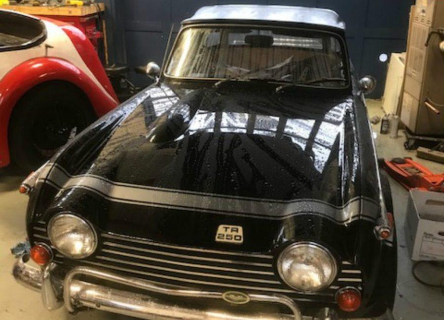 TR250 black
