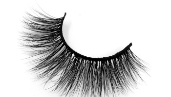 WHAT ARE HYBRID LASHES?